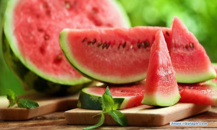 خبراء التغذية يحذرون من تناول البطيخ في هذه الحالة