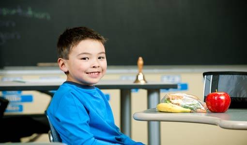 مساعدة الطفل على الإلتزام بمواعيد المدرسة