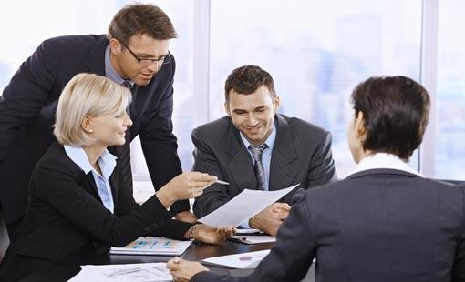 9 طرق ذكية للاتصال مع رئيسك