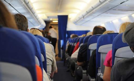 اتيكيت السفر بالطائرة