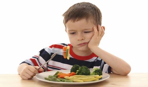 لهذه الأسباب يرفض طفلكم الطعام