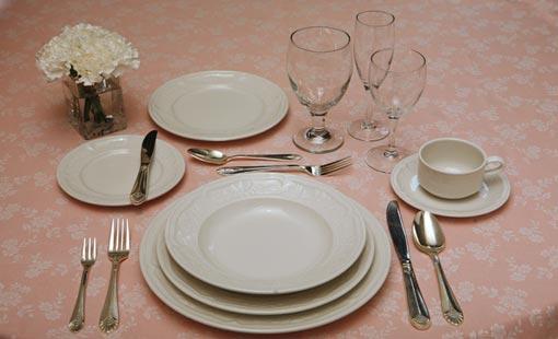 الذوق والأتيكيت على مائدة الطعام