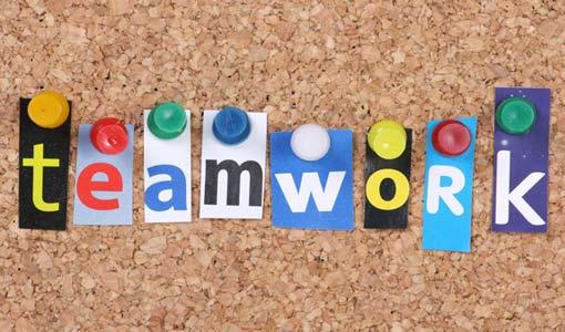 سلوكيات فريق العمل الإيجابية والسلبية
