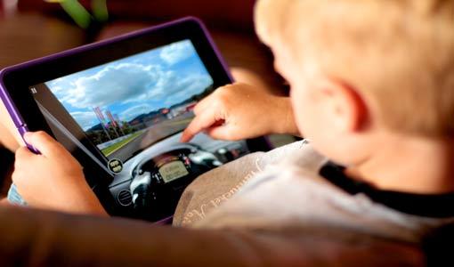 مخاطر الألعاب الإلكترونية يمكن السيطرة عليها