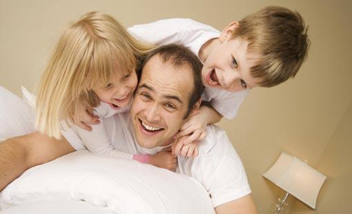 ما هو التصرّف الإيجابي من الأهل لمساعدة الطفل؟