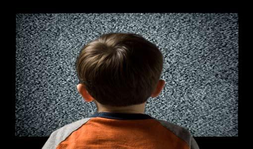 مشاهدة التلفزيون مُضرّة للأطفال دون الثانية