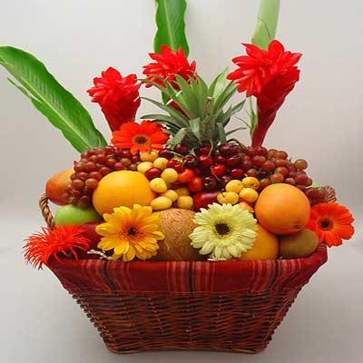 الفاكهة أجمل من كل الورود
