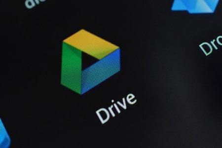 غوغل تُحدث تطبيق «Drive» لنظام iOS