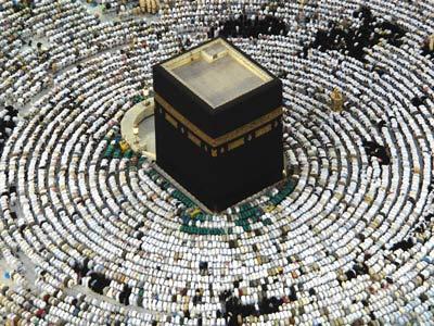 الخليل إبراهيم وهاجر وإسماعيل.. دروس في الطاعة