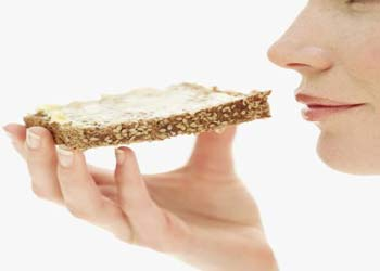 تناول الخبز يومياً يمنح الجسم مستوى جيد من الدهون الصحية