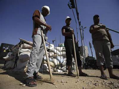 مصر تنتخب اسلامياً أو عسكرياً رئيساً