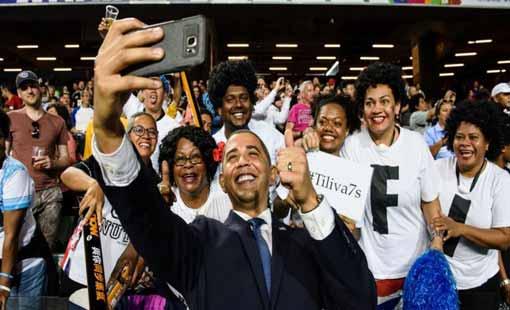 أوباما يعود للحياة العامة