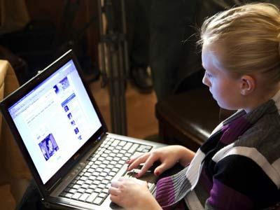 الوقت الضائع بين الانترنت والسرحان