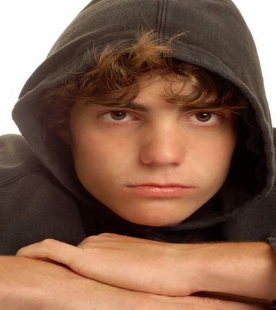 كيف نتعامل مع صراعات المراهق؟