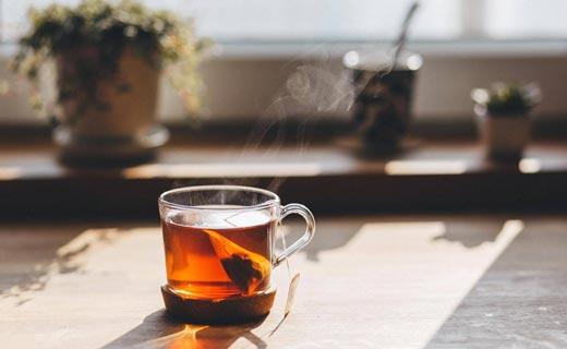 الشاي وقدرات الدماغ.. الحقيقة تتضح