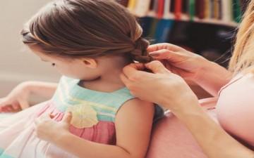 خطوات أساسية للاعتناء بشعر طفلك