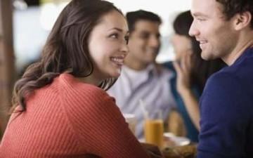جاذبية المرأة.. يكتشفها الرجل في ثوانٍ