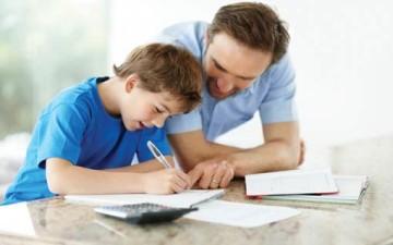 مساعدة أولادكم في فروضهم المنزلية