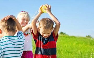 كيف تحمين طفلك من أشعة الشمس؟