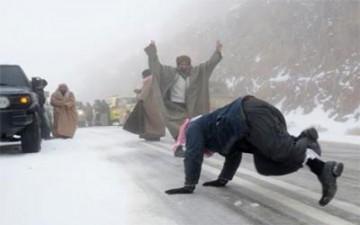 فرحة الثلوج تقتل 8 في السعودية