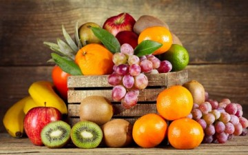 أهمية الفواكه الطازجة للجسم