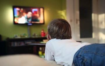 الوقت الصحّي لأطفالنا أمام شاشة التلفاز