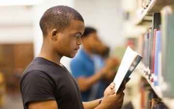 شباب اليوم.. لا يقرؤون
