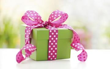 إتيكيت تقديم الهدايا