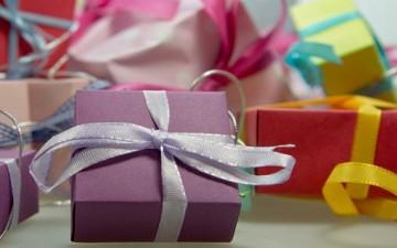 الهدية.. رسالة مودة وذكرى