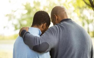 راقب ابنك المراهق وتعرف إلى أصدقائه