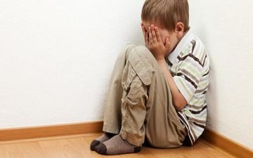 التعنيف البدني.. مُدمِّر لشخصية الطفل