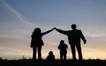 دور الأسرة في تشكيل الأبناء