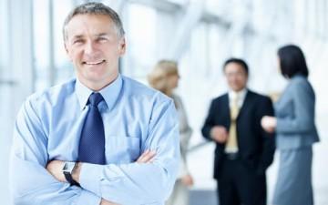 اهتمام القائد بالتطوير الدائم للعاملين