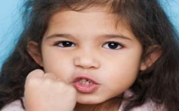الحرية كحل لسلوك الطفل العدواني
