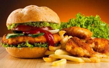 أخطاء شائعة في غذاء الشباب