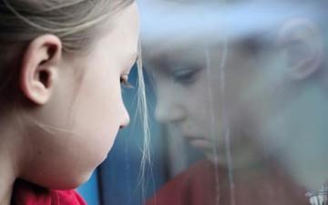 مخاوف الأطفال.. متى تكون المعالجة لازمة؟