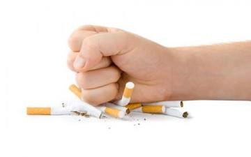 التدخين يفاقم أضرار العيون