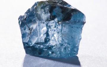 العثور على ماسة زرقاء نادرة فى جنوب أفريقيا