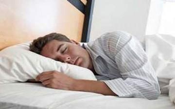 دراسة: أصحاب الرواتب العالية ينامون أفضل من محدودي الدخل