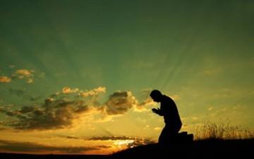 دعاء اليوم السادس: (اَللّهُمَ لا تَخْذُلْني فيهِ لِتَعَرُّضِ مَعْصِيَتِكَ، وَلاتَضْرِبْني بِسِياطِ نَقِمَتِكَ،...)