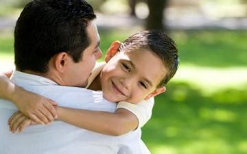 لتكن لغة العاطفة في علاقتنا مع أبنائنا