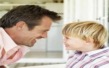 حوار الآباء والأبناء.. وسيلة اتصال فعّالة