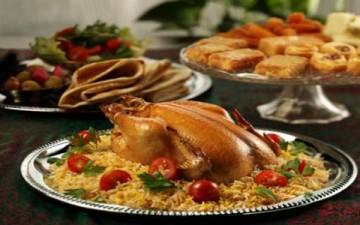مكبوس الدجاج بالفرن مع سلطة البروكلي وخبز البراتا بحشوات