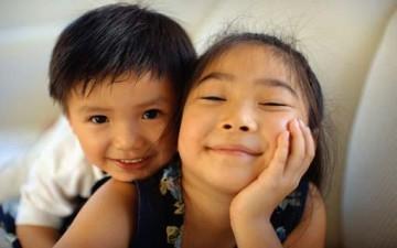 بناء العلاقات الإيجابية بين الأشقاء