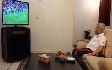 روحاني يتابع مباراة بلاده مع نيجيريا بثياب رياضية