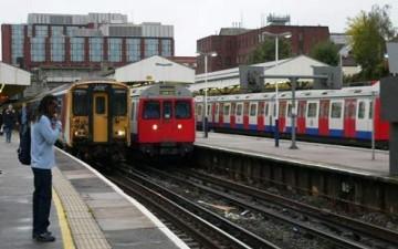 سيدة تضع مولودها في أحد قطارات لندن