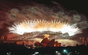 العالم يستقبل 2013 باحتفالات و«ترقب»