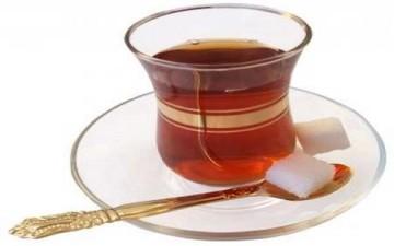 مخاطر تناول الشاي بعد الاكل