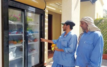 ثلاجة رمضان.. طعام مجاني في شوارع دبي