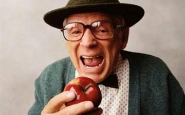 خمس أسباب لتأكل تفاحة يومياً